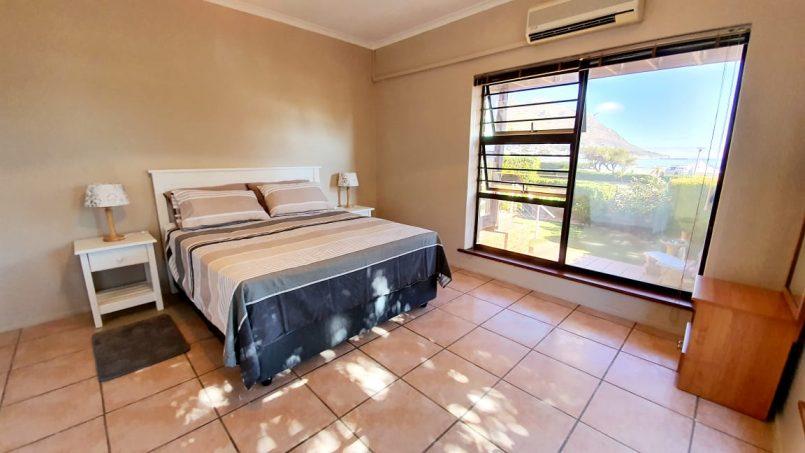 1st Queen Bedroom & Ensuite